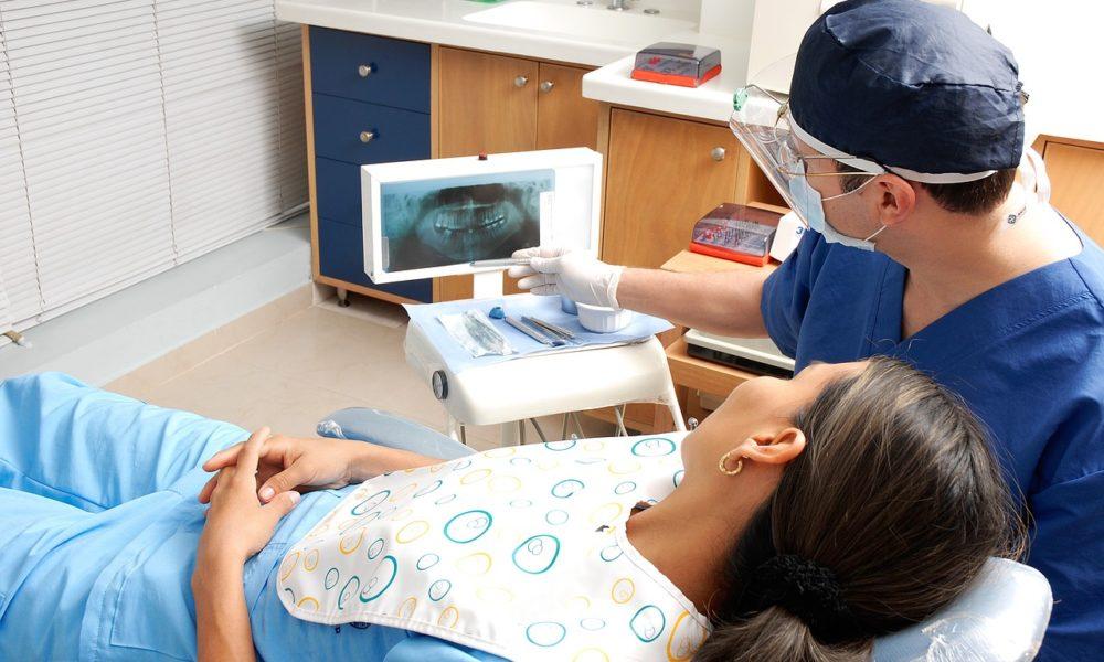 Nowoczesna technika używana w salonach stomatologii estetycznej być może spowodować, że odbierzemy śliczny uśmiech.